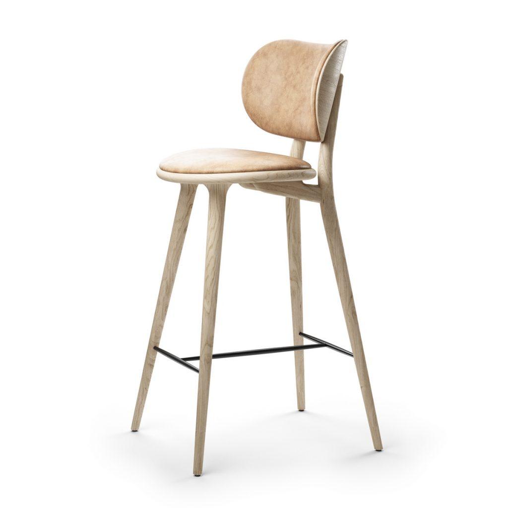 Mater_High Stool Backrest by Space Copenhagen_Lifestyle_NaturalLacqueredOak_Side_HR (Copiar)
