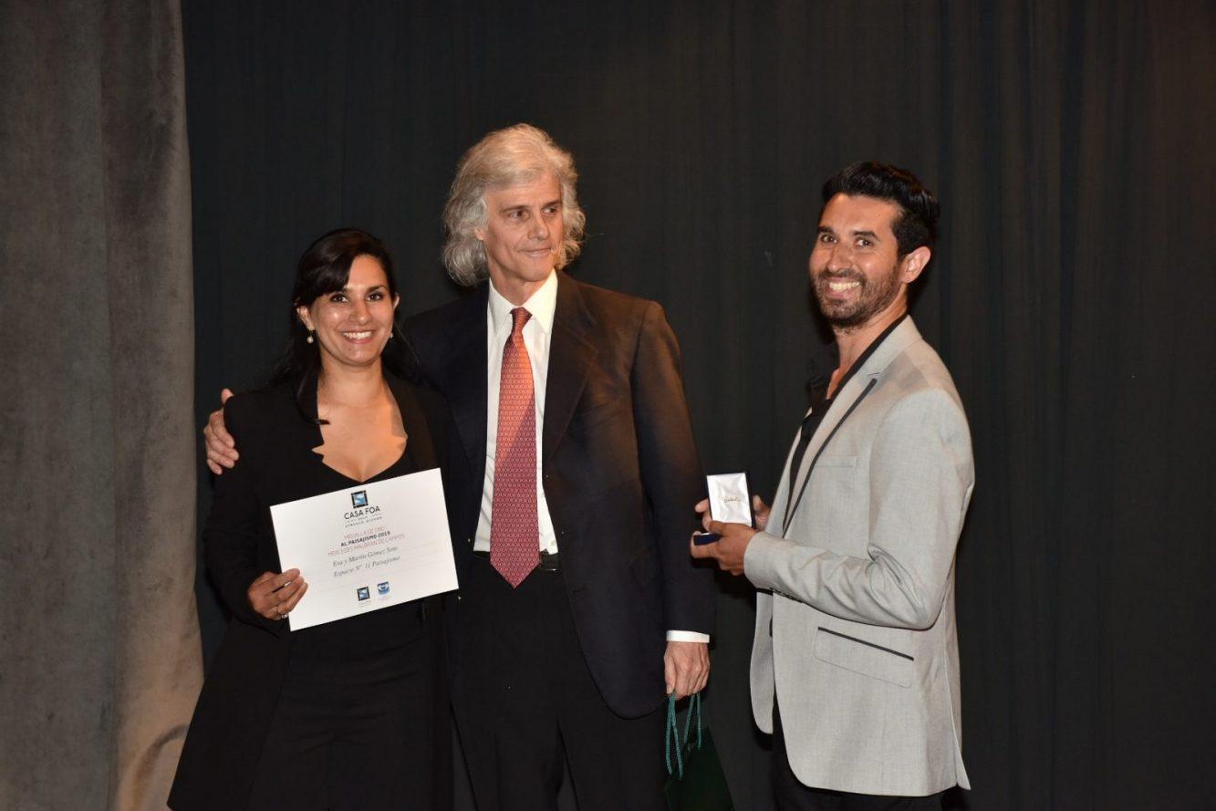 Eva y Martín Gómez Soto y el Dr. Enrique Malbran vicepresidente de FOA